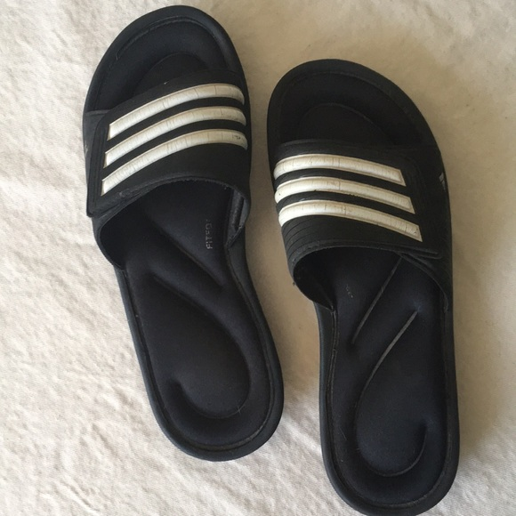 Adidas zapatos diapositivas preloved poshmark
